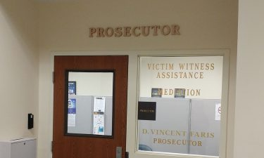 image of Prosecutor's office - links to Victim Assistance page